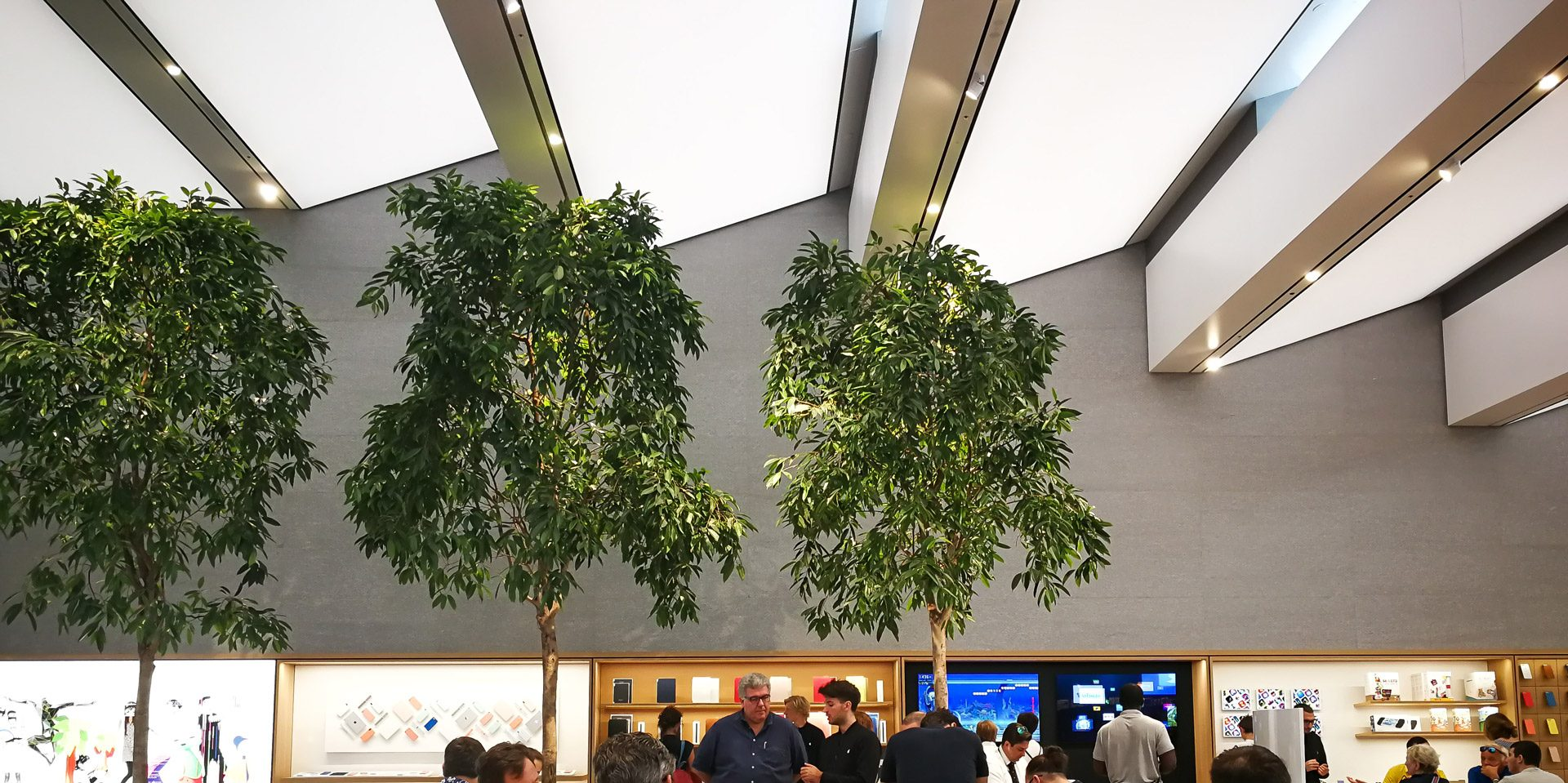 apple strore milan internal hall picture of lucia verrecchia