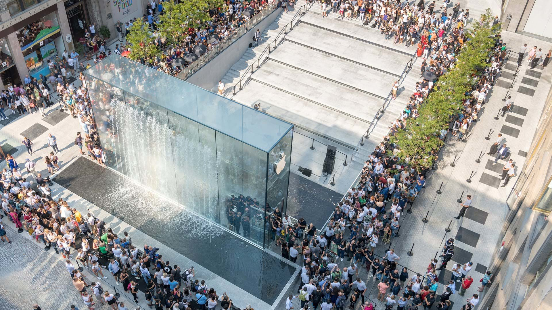 apple strore milan liberty square one day